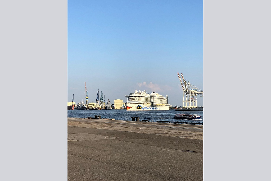 #AIDAperla at our Hamburg Cruise Center Steinwerder today in the #PortOfHamburg.