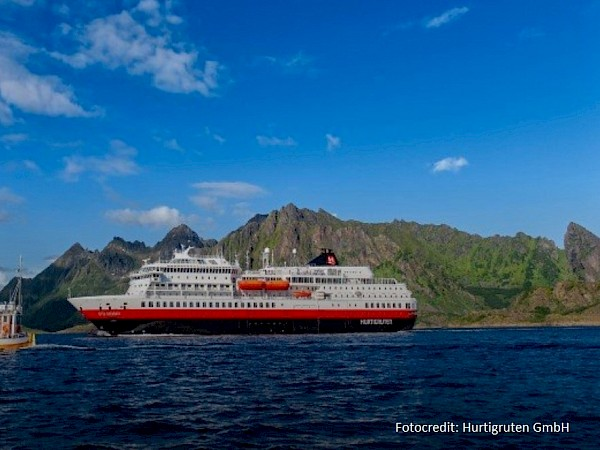 From 2021: Hamburg becomes home port for Hurtigruten expedition ship