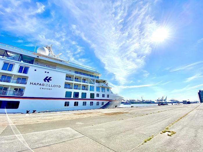 Cruise start in Hamburg: Season opens with 'Hanseatic nature' by Hapag-Lloyd Cruises  (June 2021)
