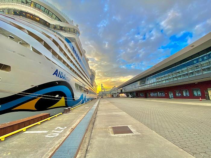 Cruise business in Hamburg picks up speed: AIDA Cruises starts Hamburg cruise season with AIDAmar beginning 31 July 2021 (July 2021)